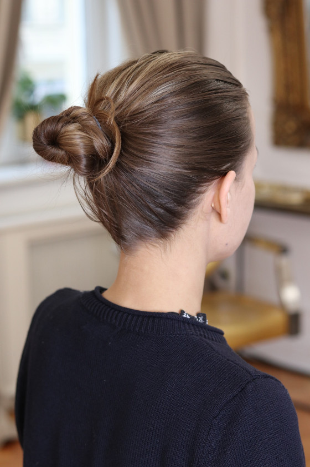 Vlasová gumička - středně hnědá - 4